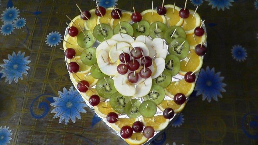 Как сделать из фруктов украшения на стол